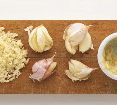 Creamy Garlic Cashew Hummus